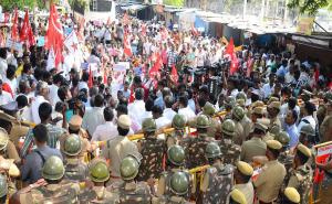 CPI(M) protests Closing of government schools in Chennai, TN